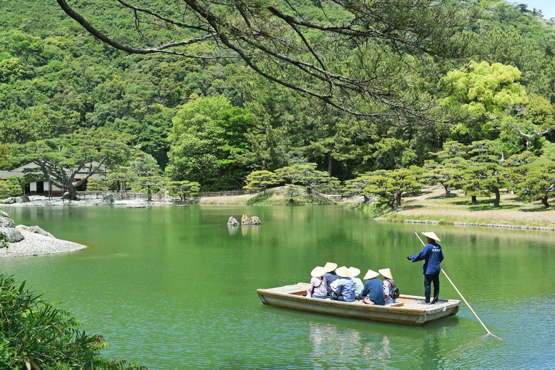 Wabune boat in Ritsurin Park